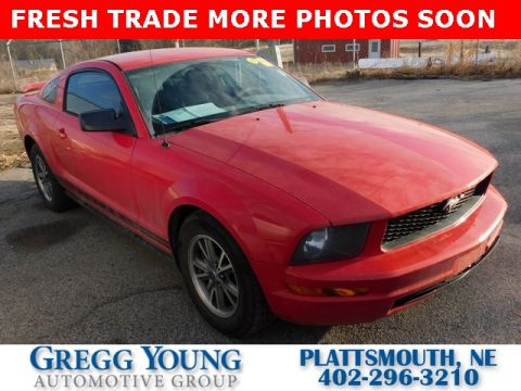 Pre-Owned 2005 Ford Mustang V6